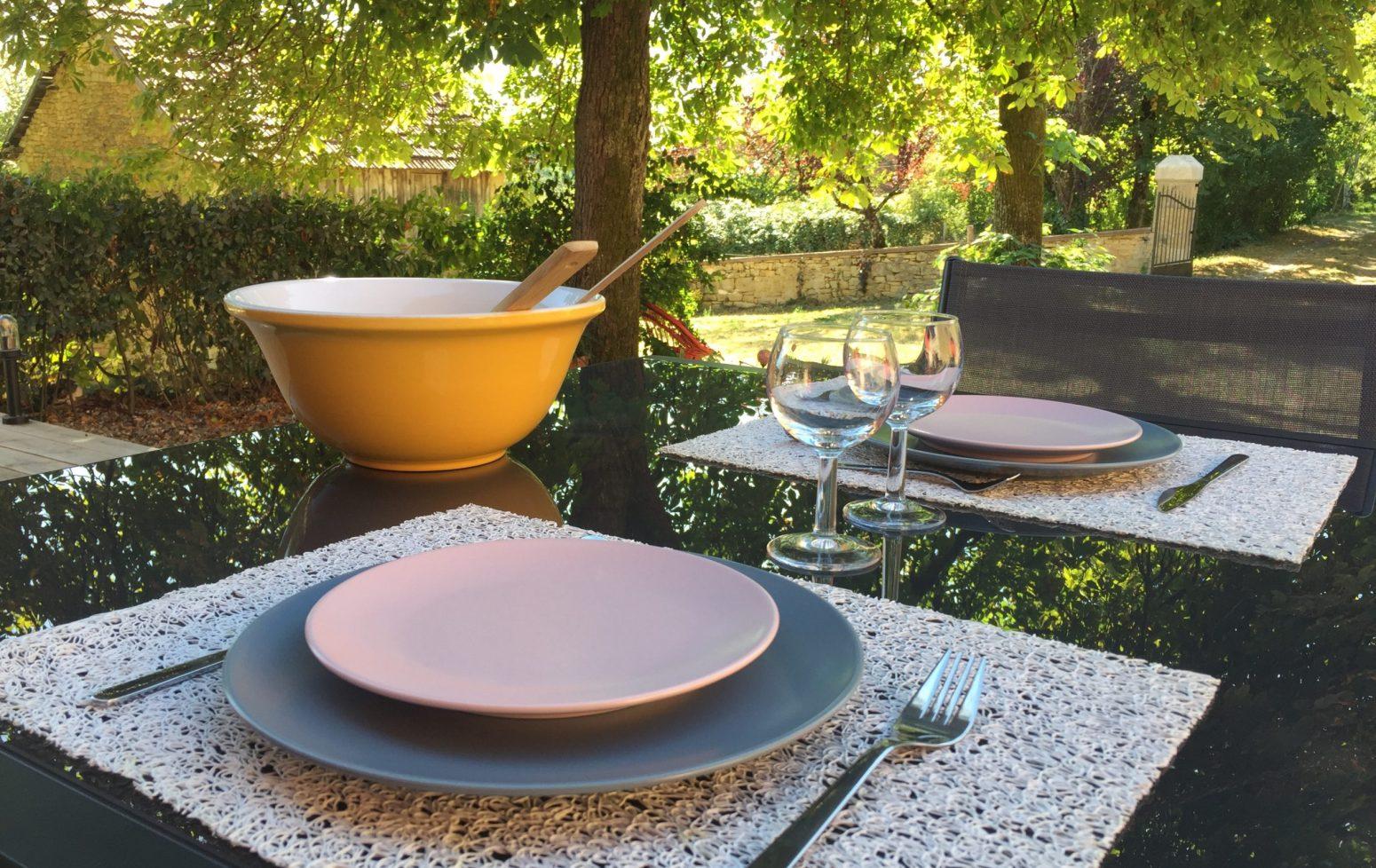 déjeuner en terrasse gite 8